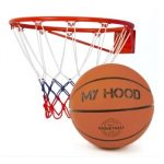 Basketballkurv med bold
