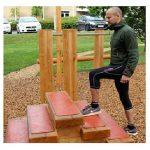 Fitness trappe til udendørs træning af forskellige muskelgrupper og andre sjove ting.